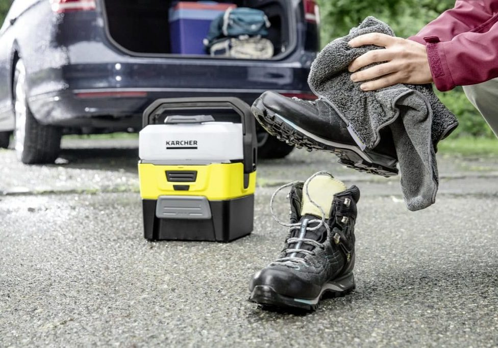 28737_Kaercher_Mobile_Outdoor_Cleaner_Hiking_Boots